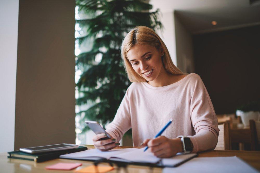 Estudar inglês traz inúmeros benefícios para sua vida acadêmica