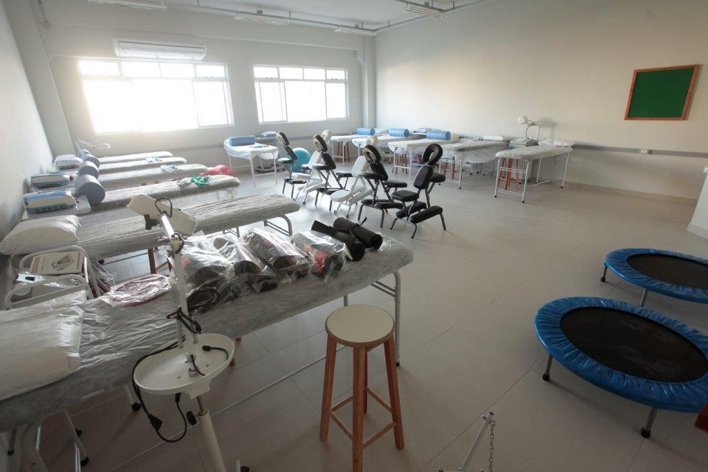 Laboratório prático do curso de Fisioterapia