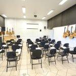 Sala de aula prática do curso de Música