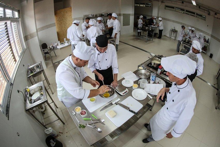 Laboratório de aula do curso de Gastronomia