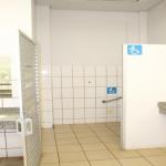 Banheiros-especiais-a-pessoas-portadoras-de-defici--ncias-em-todo-o-campus.