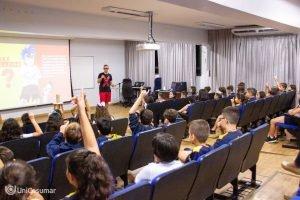 Projeto 'Mundo de Otávio' fala sobre bullying com alunos do Objetivo