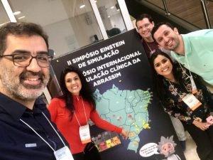 Professores do SimuLab UniCesumar levam trabalhos do Curso de Medicina para II Simpósio Internacional de Simulação Clínica no Hospital Albert Einstein, em São Paulo