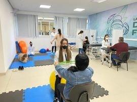 Clínica de Fisioterapia da UniCesumar de Curitiba atende gratuitamente a comunidade