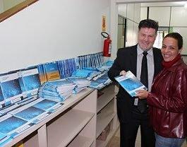 Unicesumar doa 150 livros para qualificação de egressos do Sistema Prisional