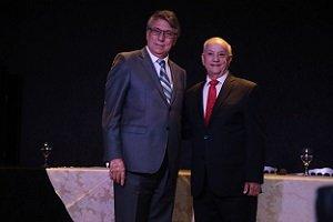 Reitor e presidente da mantenedora UniCesumar recebem título de Cidadão Honorário