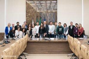 Parceria entre Banco Santander e UniCesumar contempla 11 alunos com bolsas de estudo no exterior