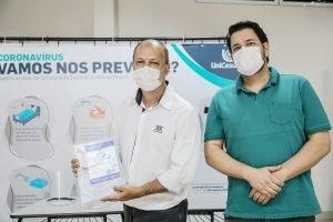 UniCesumar doa máscaras de acetato a hospitais de Ponta Grossa