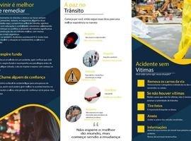 """Alunos da UniCesumar promovem blitz pela """"Paz no Trânsito"""""""
