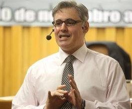 Juiz do Mato Grosso é palestrante em aula magna de Direito