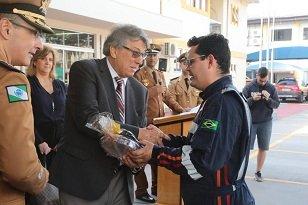 Reitor da UniCesumar participa de homenagens aos Bombeiros de Maringá