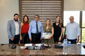 Pesquisadora portuguesa Lillian Barros visita a UniCesumar