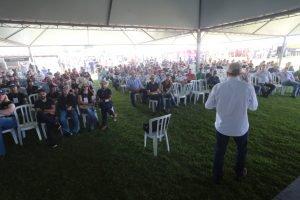 19º Dia de Campo de Agrárias: participantes conferem novidades do setor