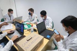 Combate à Covid-19: alunos de Medicina e Enfermagem da UniCesumar realizam atendimento voluntário